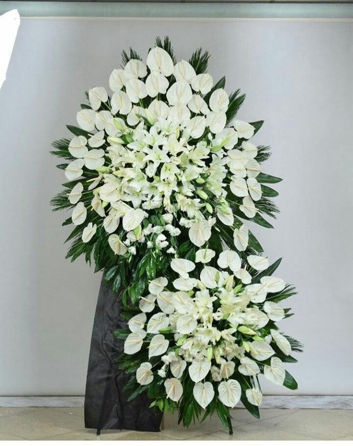 تاج گل تسلیت خیریه و استند تسلیت خیریه و بنر تسلیت خیریه