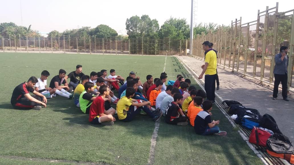 گزارش تصویری اولین جلسه کلاس آموزش فوتبال خیریه شهید فتاحیان