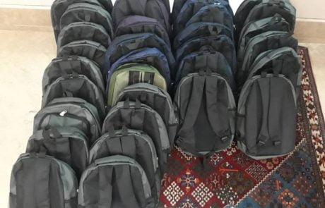 پخش 70 پک کیف و لوازم تحریر مدرسه توسط نیکوکاران شعف